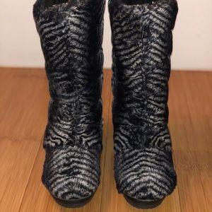 2ef4cef5a71 adidas Shoes - Super Rare Adidas Respect M.E. Faux Fur Boots Sz 7